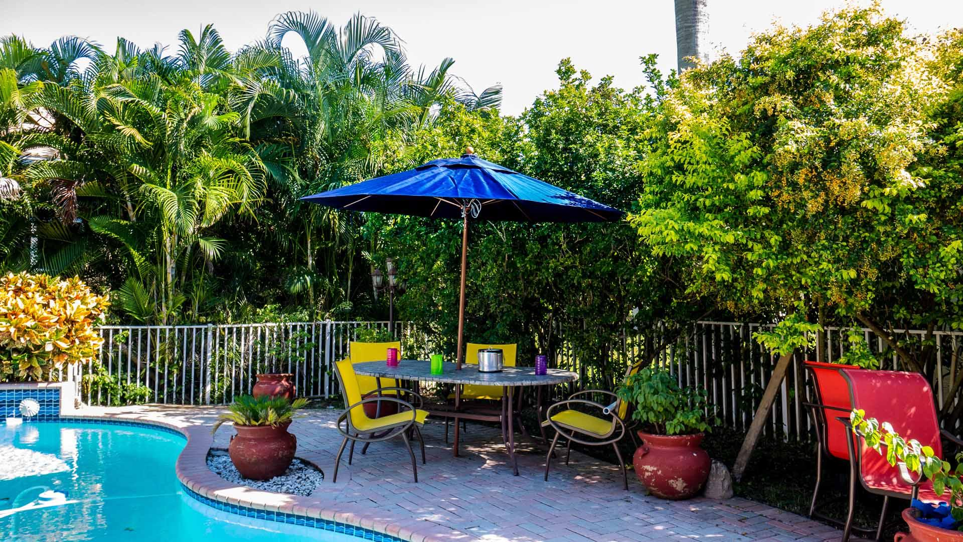 Patio Umbrella 7.50 to 9.00 Ft by 8 Ribs, Crank or Pulley, Fiberglass Ribs, Canvas, Aluminum Pole Wood Grain (1 or 2 Piece Pole)